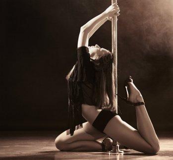 Pole-dance-para-quemar-grasa-3